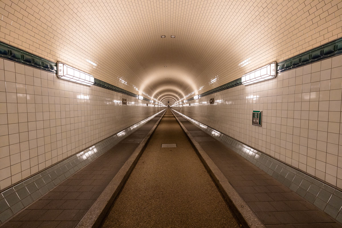 eine der beiden Tunnelröhren