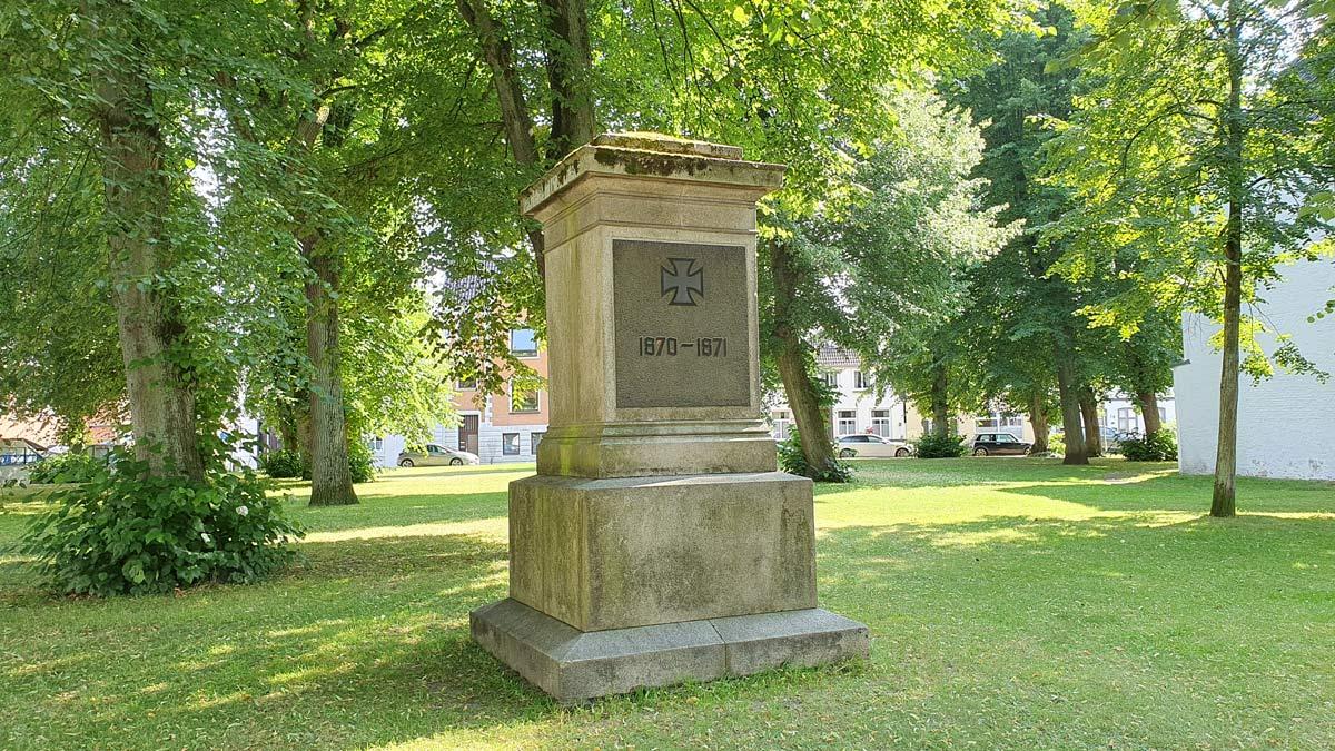 GL_KR_Denkmal_vorn